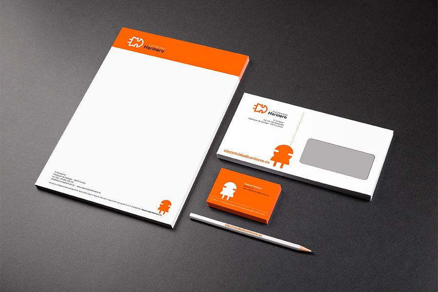 Diseño de papelería corporativa con mascota publicitaria