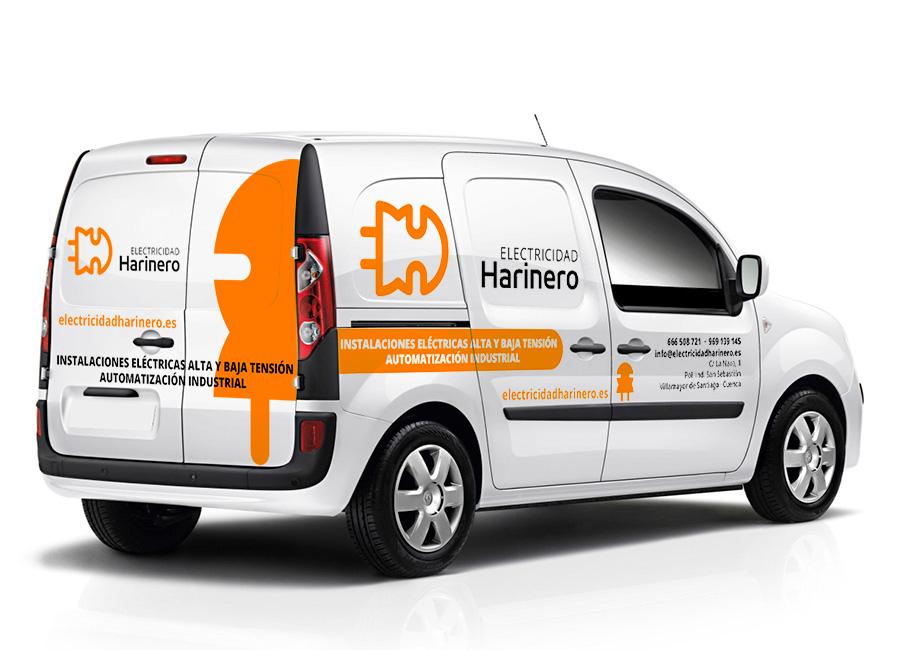 Diseño de rotulación de vehículos con mascota corporativa
